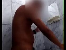 tomando banho