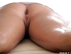 Brazzers - (Keisha Grey) gets oiled up and preparing to go