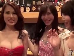 JAPAN crossdresser ladyboy bar