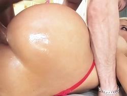 Stunning MILF Bridgette Gets Deep Ass Fuck